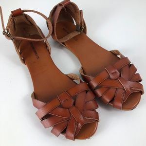 Mossimo Brand from Target Size 6 Flat Sandals